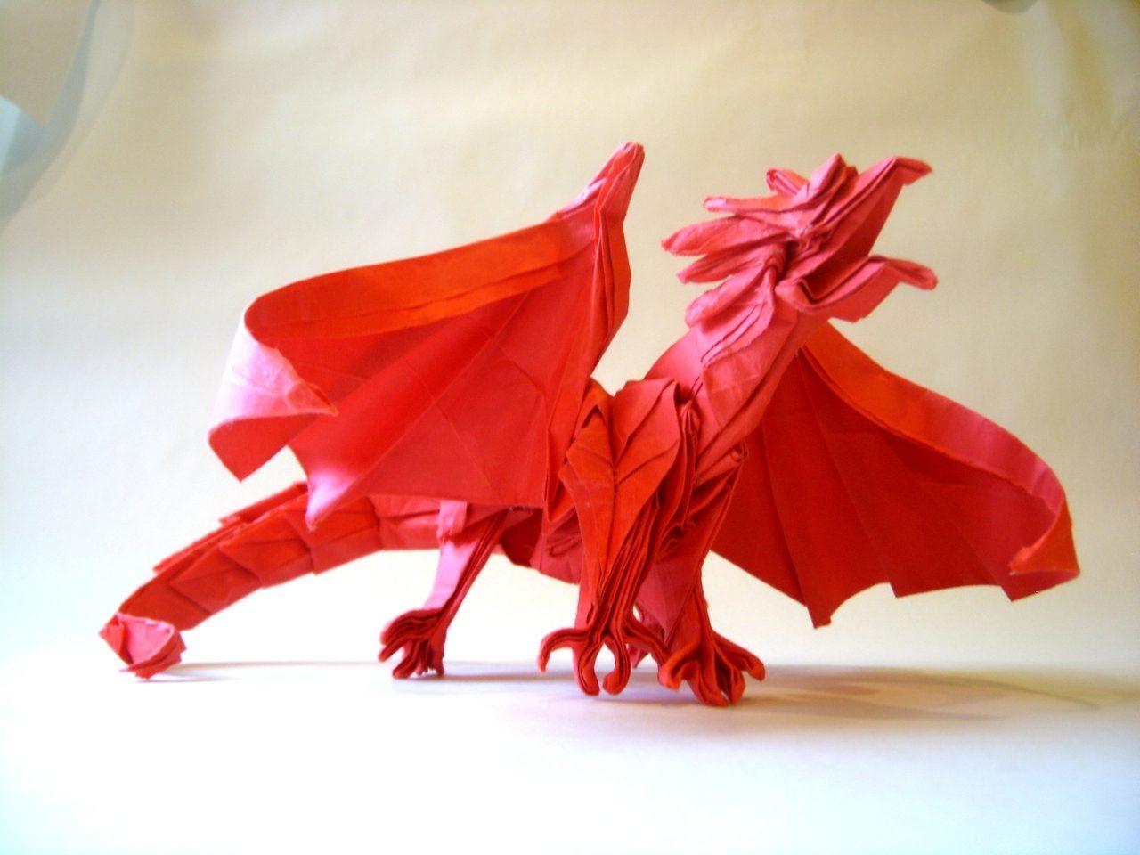 Dragones de papel